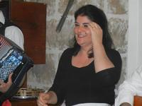SIKANIA - Compagnia di canto e musica popolare - Giuseppina Priolo (tamburello e voce solista) - Bosco di Scorace - Il Contadino - 13 maggio 2012  - Buseto palizzolo (965 clic)