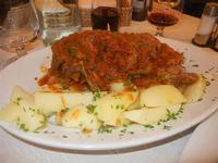 stinco di maiale in umido con patate bollite Busith - 12 febbraio 2012  - Buseto palizzolo (1065 clic)