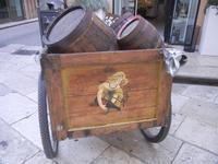 carretto con botti - centro storico - 9 settembre 2012  - Marsala (1092 clic)