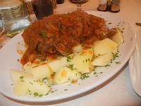 stinco di maiale in umido con patate bollite Busith - 12 febbraio 2012  - Buseto palizzolo (1073 clic)