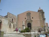 statua del Beato Alberto e Chiesa Parrocchiale di San Giuliano  - 5 agosto 2012  - Erice (305 clic)