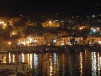 porto e città - panorama notturno - 6 settembre 2012  - Castellammare del golfo (918 clic)