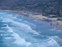 mare molto mosso e Spiaggia Plaja - panorama dalla periferia ovest della città - 27 agosto 2012  - Castellammare del golfo (307 clic)