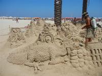 castelli di sabbia - sculture sulla sabbia di Iannini Antonio, scultore napoletano sanvitese - 18 agosto 2012  - San vito lo capo (1159 clic)