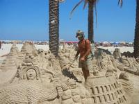 castelli di sabbia - sculture sulla sabbia di Iannini Antonio, scultore napoletano sanvitese - 18 agosto 2012  - San vito lo capo (330 clic)