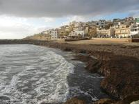 spiaggia invasa dalle alghe e case 8 gennaio 2012  - Marinella di selinunte (422 clic)