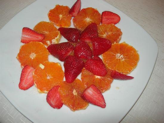arancia e fragole con zucchero e maraschino - BUSETO PALIZZOLO - inserita il 23-Sep-14