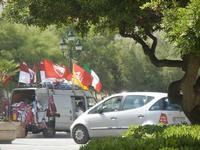 bandiere in Piazza Vittorio Emanuele - 3 giugno 2012  - Trapani (288 clic)