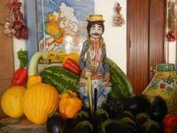 la casa del cous cous sanvitese frutta, ortaggi e ceramiche - 18 agosto 2012  - San vito lo capo (468 clic)