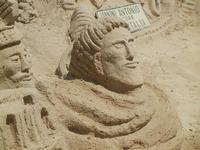 castelli di sabbia - sculture sulla sabbia di Iannini Antonio, scultore napoletano sanvitese - 18 agosto 2012  - San vito lo capo (378 clic)