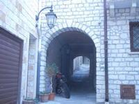 vicolo con archi - 28 agosto 2012  - Chiusa sclafani (706 clic)