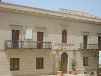 Palazzo Municipale in Piazza Vittorio Emanuele - 5 agosto 2012  - Erice (311 clic)