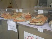 gastronomia in vetrina - panini imbottiti - 29 aprile 2012  - San vito lo capo (820 clic)