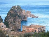 faraglioni e tonnara - 14 aprile 2012  - Scopello (665 clic)