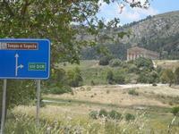 Tempio e panorama - 27 maggio 2012  - Segesta (1220 clic)