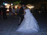 Piazza Petrolo - sposi e stand - 26 agosto 2012  - Castellammare del golfo (856 clic)