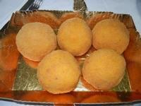 arancine di riso con carne - 28 agosto 2012  - Chiusa sclafani (1558 clic)