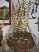 Mostra Permanente Etnoantropologia - La Vita nella Devozione - Ceto dei Borgesi di San Giuseppe - 22 aprile 2012  - Calatafimi segesta (415 clic)