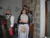 SIKANIA - Compagnia di canto e musica popolare - Giuseppina Priolo (tamburello e voce solista), Santo Arceri (chitarra percussioni e voce) e  Michele Ditta (fisarmonica) - Bosco di Scorace - Il Contadino - 13 maggio 2012  - Buseto palizzolo (953 clic)