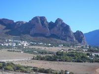 panorama dal Belvedere - il piccolo borgo sotto la montagna - 30 agosto 2012  - Macari (1209 clic)