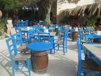 imbarcadero per l'Isola di Mozia - sedie . . . e tavolini - 5 agosto 2012  - Marsala (396 clic)