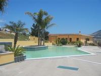 piscina - Baglio Arcudaci - 27 maggio 2012  - Bruca (350 clic)