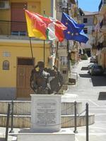 Monumento alla memoria del Carabiniere Antonino Fleres  - medaglia d'oro al valor civile - 9 maggio 2012  - Borgetto (1277 clic)