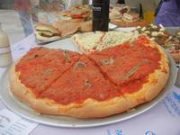 gastronomia in vetrina - pizze e panini imbottiti - 29 aprile 2012  - San vito lo capo (723 clic)