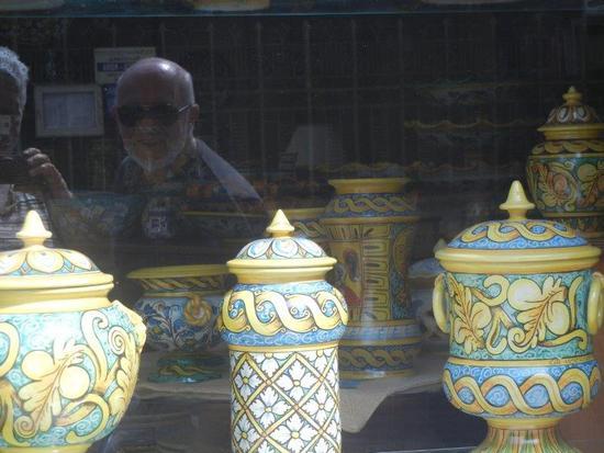 ceramiche in vetrina - SCIACCA - inserita il 07-Apr-16