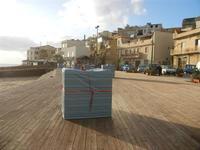 case e struttura in legno sulla spiaggia  8 gennaio 2012  - Marinella di selinunte (938 clic)