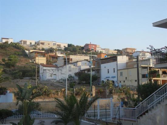 Zona Canalotto - case sulla strada ed in collina - ALCAMO MARINA - inserita il 03-Jun-15