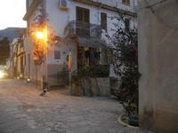 un angolo del paese a sera - 31 marzo 2012  - Scopello (850 clic)