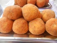 gastronomia in vetrina - arancine - 29 aprile 2012  - San vito lo capo (804 clic)