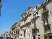 Corso 6 Aprile e Chiesa SS. Paolo e Bartolomeo - 2 giugno 2012  - Alcamo (216 clic)