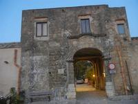 ingresso al Baglio Isonzo - 31 marzo 2012  - Scopello (816 clic)
