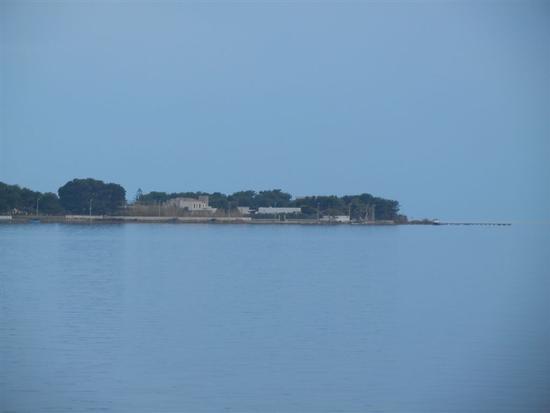 Laguna dello Stagnone e scorcio dell'isola - MOZIA - inserita il 03-Apr-14