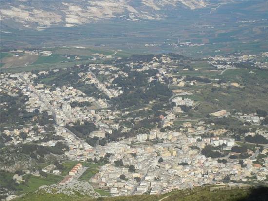 panorama di Valderice dal Monte Erice - VALDERICE - inserita il 30-May-14