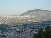 dal Belvedere - scorcio città e panorama fino ad Alcamo e Monte Bonifato - 1 giugno 2012  - Castellammare del golfo (331 clic)