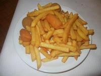 tris caldo: patatine, olive e crocchette - La Lanterna - 12 maggio 2012  - Alcamo marina (620 clic)