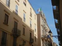 La Loggia dell'Orologio in via Torrearsa - 13 maggio 2012  - Trapani (352 clic)