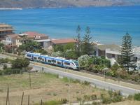 Zona Plaja - passa il treno - 26 giugno 2012  - Alcamo marina (236 clic)