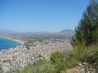 panorama città ed entroterra dal Monte Inici - 6 maggio 2012  - Castellammare del golfo (346 clic)
