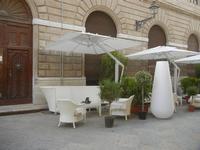 salotti all'aperto in via Torrearsa - 13 maggio 2012  - Trapani (405 clic)
