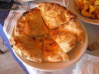 pane pizza - La Torre di Nubia - 5 agosto 2012  - Nubia (381 clic)