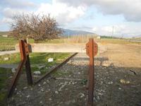 binario morto e panorama - ex stazione ferroviaria - 4 marzo 2012  - Bruca (611 clic)
