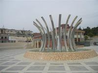 Piazzale della Autonomia Siciliana - fontana - 20 maggio 2012  - Poggioreale (545 clic)