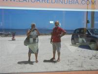 noi e l'Isola di Levanzo riflessi  - 16 luglio 2012  - Nubia (702 clic)