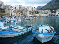 case sul porto - 14 aprile 2012  - Castellammare del golfo (415 clic)