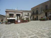 Piazza Vittorio Emanuele - 5 agosto 2012  - Erice (318 clic)