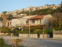 Zona Tonnara - case sul lungomare ed in collina - 6 maggio 2012  - Alcamo marina (426 clic)